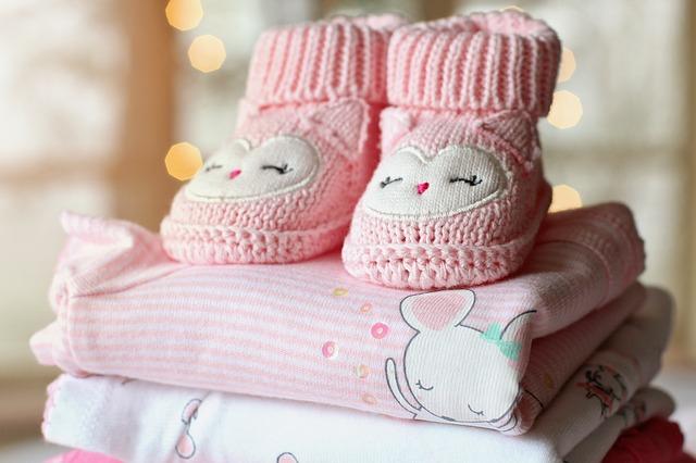 Šta vam je sve zaista potrebno za bebu i kako da uštedite
