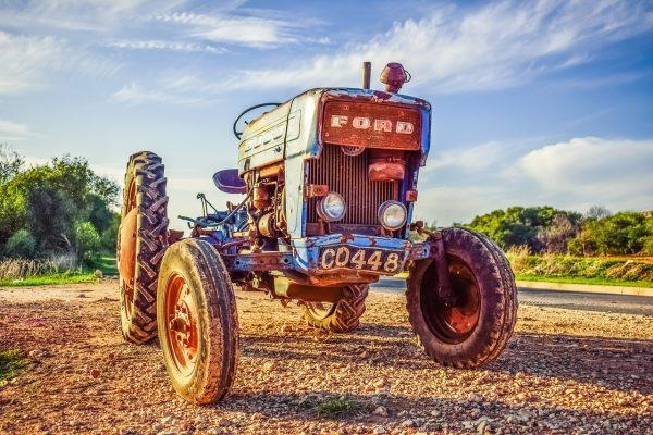 fordov-traktor-oldtajmer