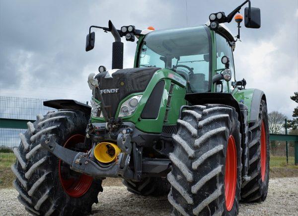 nemacki-traktor-grdosija